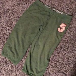 Mossimo • green Capri pants